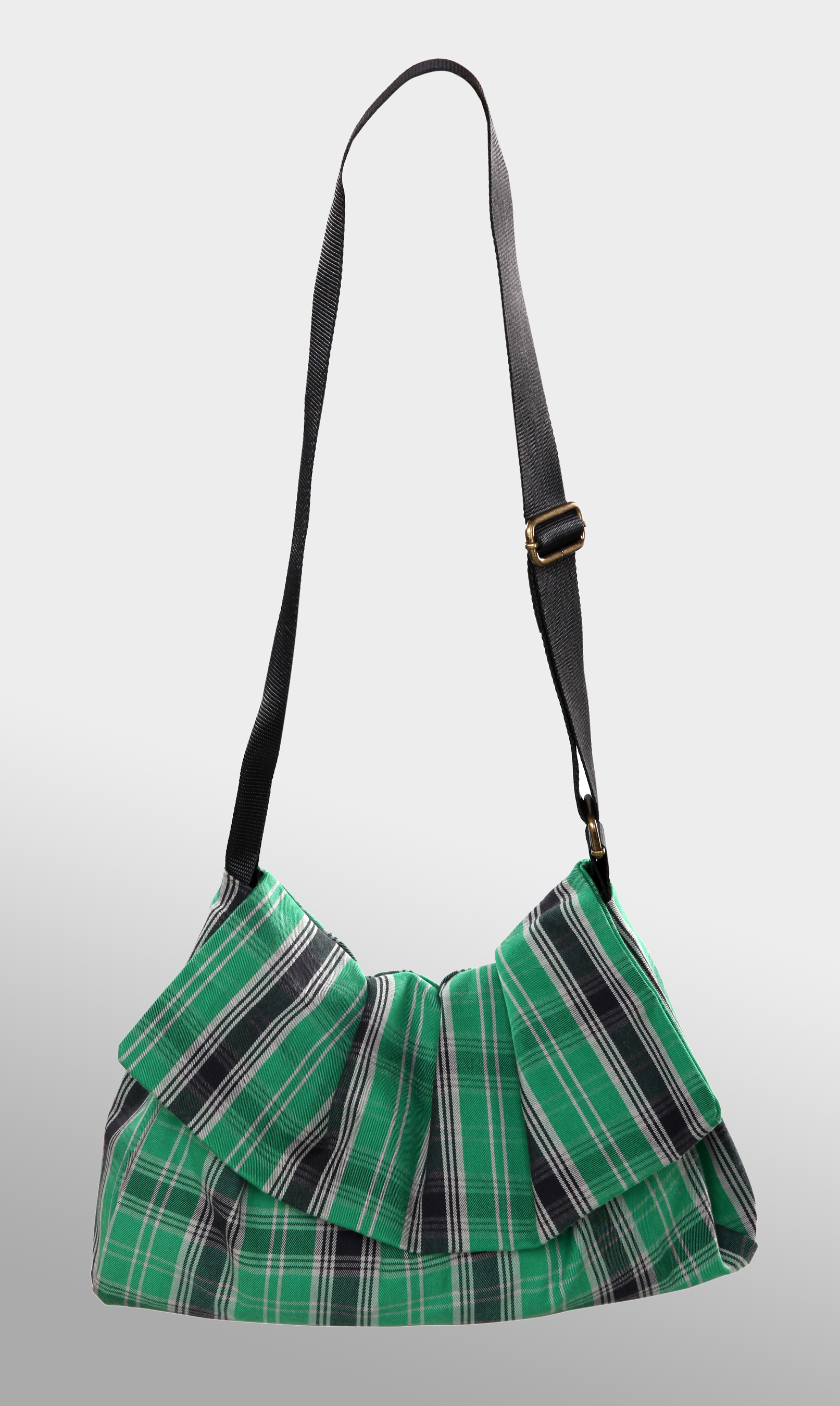 GREEN/BLACK TARTAN BAG