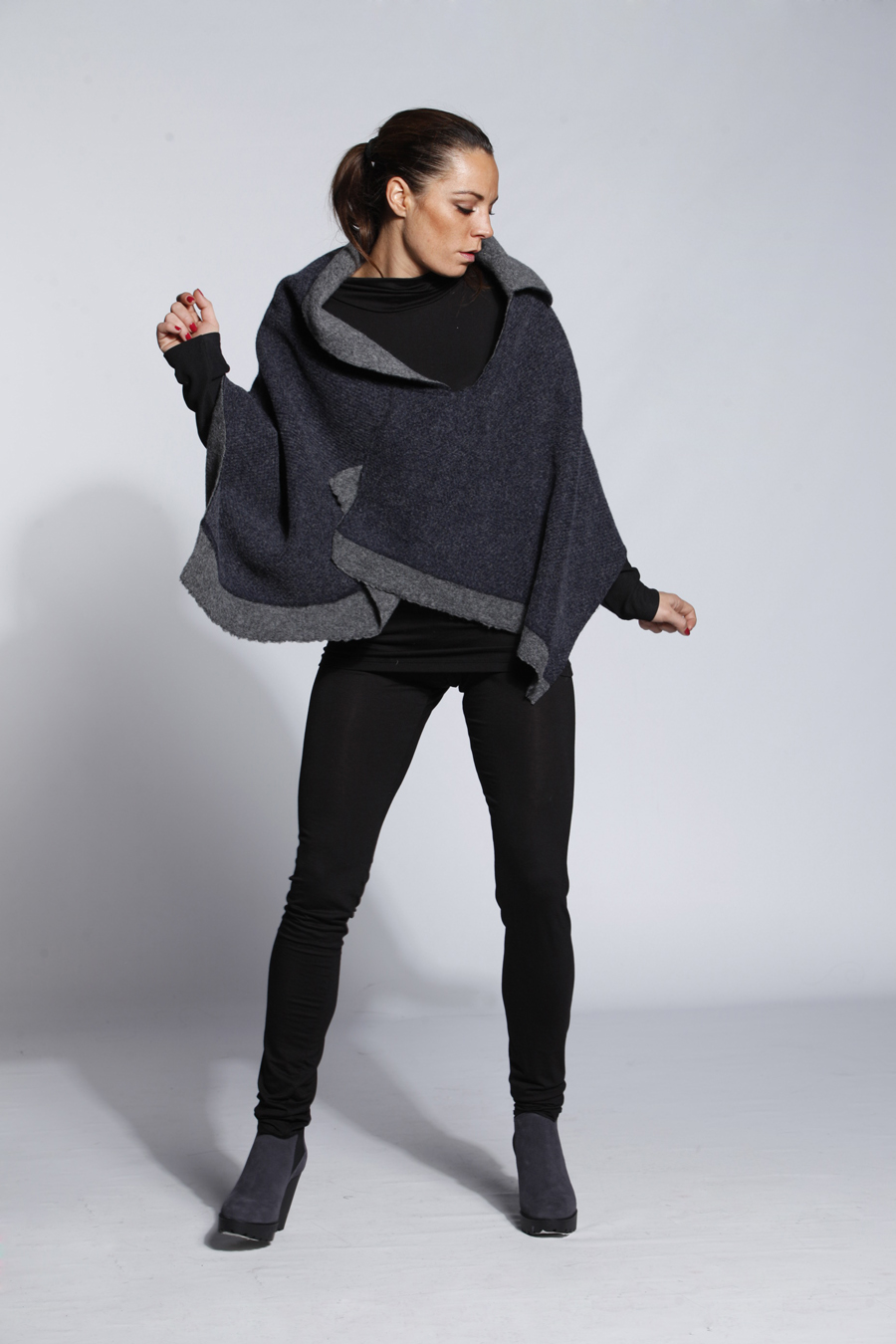 WINTER WOOL PONCHO
