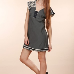 Grunger • gray dress